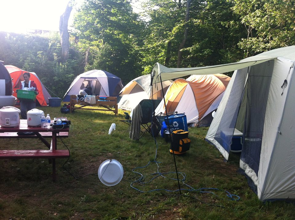 We have accommodations and camping for groups.
